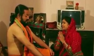 Mallu bhabi drilled by hindu monk