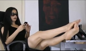 Lovely oriental housewife very comfortable showing the toes of her breathtaking feet