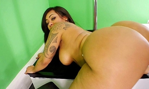Brittish heavens, top notch chica, nat foxx & 10 large wazoo strippers