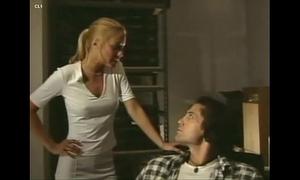 Platinum blond - full clip (2001)