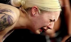 Blonde thrall acquires evil torture